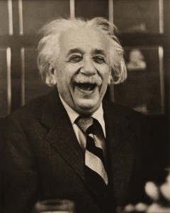 ALBERT-EINSTEIN-AT-A-PRINCETON-UNIVERSITY-LUNCHEON-NEW-JERSEY-1953-1-C05013